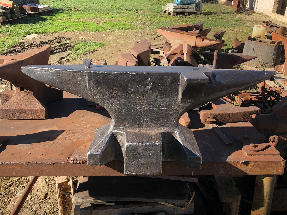 Anvils Planet - Anvils & blacksmith tools for sale